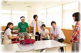 Mengisahkan tentang Tetsuo Togami (Shono Hayama) yang duduk di kelas 2 SMA. Suatu hari ia terlibat perkelahian dan membuatnya dirawat di rumah sakit. Di sana, ia bertemu Maiko Takashiro (Chika Arakawa) yang memiliki penyakit yang tak dapat disembuhkan. Maiko juga memiliki cacat pendengaran dan tidak dapat berbicara. Pada awalnya, Tetsuo merasa malu, namun kemudian ia mulai bertukar pesan teks dengan Maiko. Simak lengkapnya di dramafilmasian.blogspot.com