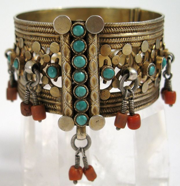 Old Uzbek Cuff Silver with heat gilding and decorated with old red coral and turquoise. | © Ann Porteus.