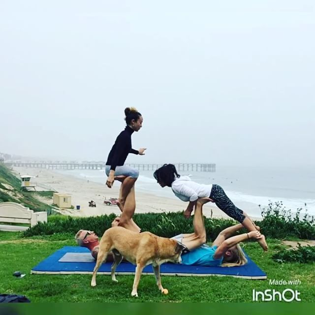 Some of you have seen this before I haven't posted it yet easily my favorite for a person washing machine through the hole. With @the.diva.dangerous @acrothornado and @flyginapie  and of coarse @hideo_photobomber . . . . . #acrobalance #acroapp #acroyoga #acrolove #acrolife #acro #acroflow #yogaflow #yoga #couplesyoga #partneryoga #instafit #namaste🙏 #fitfam #sandiegoyoga #sandiegolife #pacificbeach #blissbandits #pacificbeachlocals #sandiegoconnection #sdlocals #sandiegolocals - posted by…