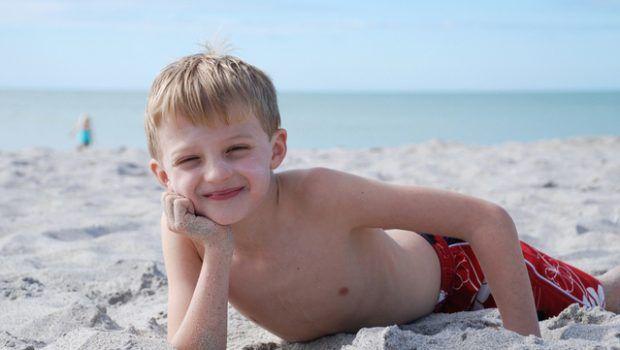 Praia com crianças: veja que cuidados tomar | Baby & Kids | It Mãe
