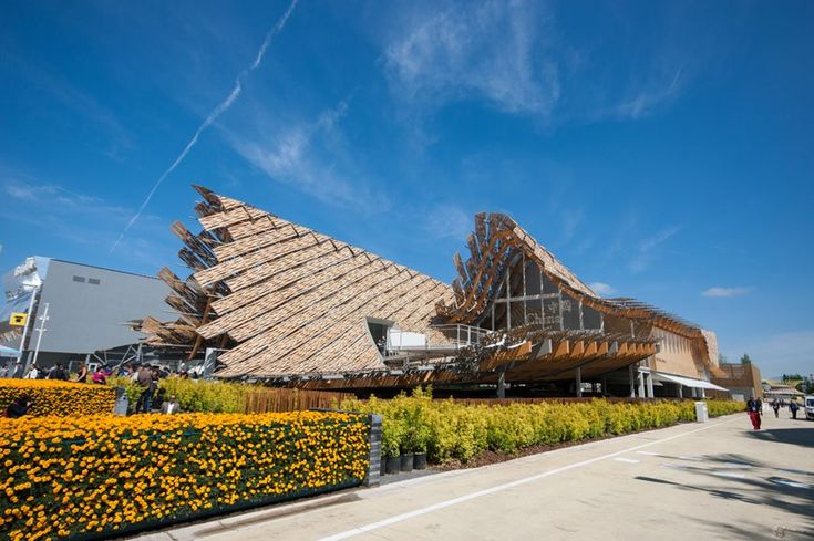 The pavilion of China at @Expo2015Milano, pictured by Inexhibit. Full article at http://www.inexhibit.com/case-studies/milan-expo-2015-land-hope-china-pavilion/