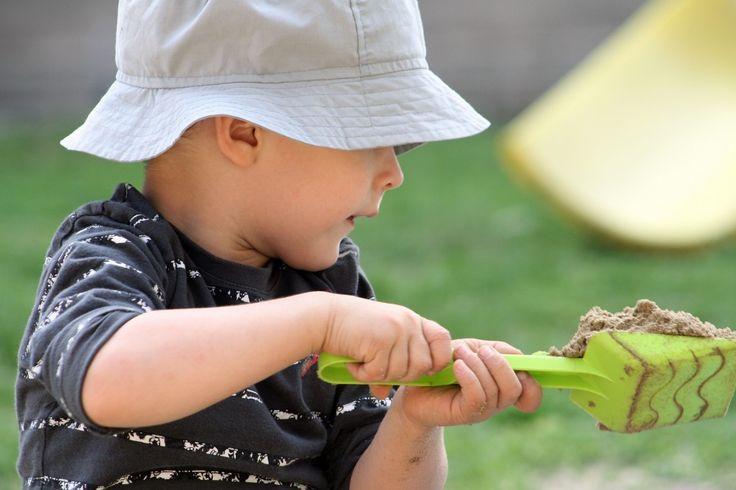 """Koliko branite svojoj deci da se prljaju u parku? Opominjete li ih na svakih dva minuta """"Ne to, nemoj to da diraš prljavo je, nemoj dirati igračke druge de"""