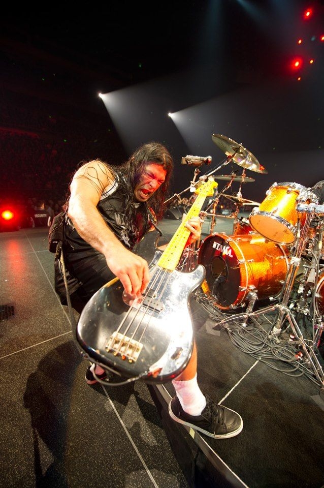 Robert Trujillo (Metallica, Suicidal Tendencies) Cranking On The Bass!!  #RobertTrujillo  #Metallica