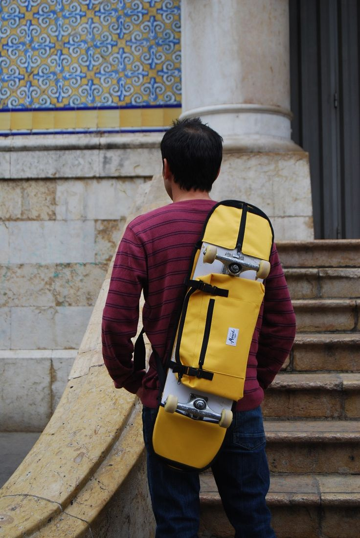 This stylish skateboard backpack is perfect for the city.