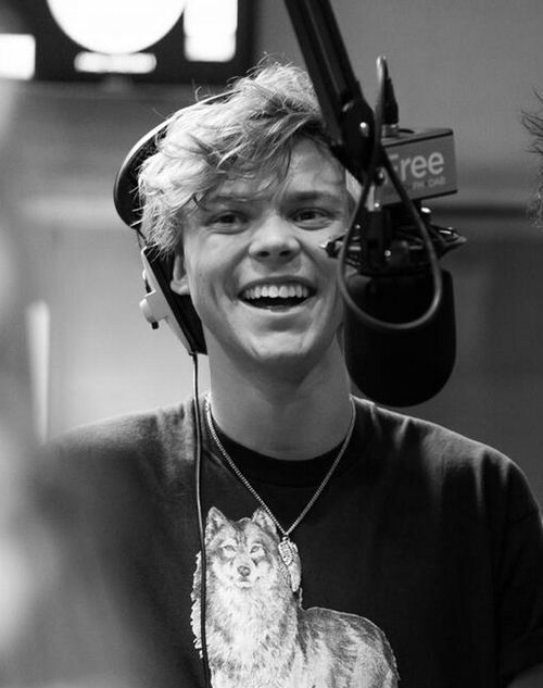 OK MR.IRWIN! WHO GAVE YOU THE RIGHT TO DO THIS? OH THAT'S RIGHT NO ONE. DO YOU KNOW WHY? WELL FOR ONE SWERVING LANES THAT QUICKLY COULD CAUSE IN ACCIDENT! AND TWO YOUR LOOKS CAN ACTUALLY KILL. I KNOW FROM EXPERIENCE.