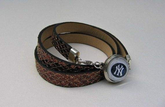 MLB New York Yankees Wrap Bracelet by SportsJewelryStudio on Etsy.  $10.00!  etsy.com/shop/sportsjewelrystudio