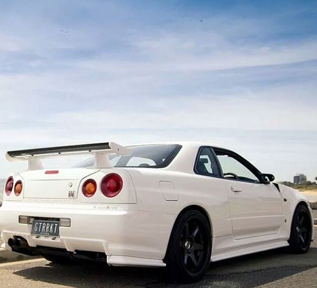 R34   White. R34 SkylineHot Cars