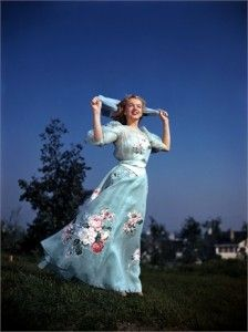 Marilyn Monroe by Earl TheisenMarilyn Monroe, Normajean, Marilynmonroe, Long Gowns, Norma Jeans, Los Angels, Earl Theisen, Portraits, Fashion Poses