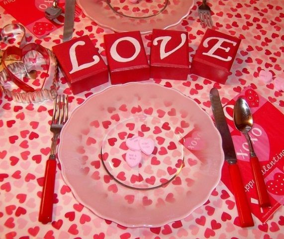 59 Romantic Valentineu0027s Day Table Settings   DigsDigs Part 90