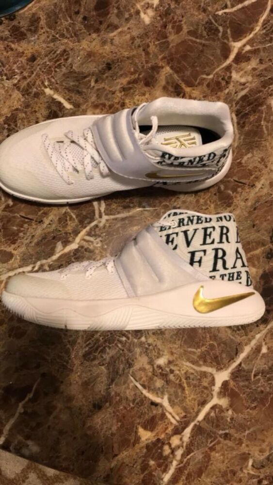 Nike Kyrie 2 Size 6 White and Gold. Great Condition