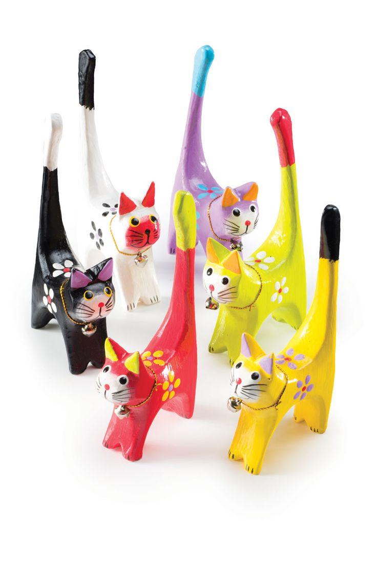 Katt i trä, säljes osorterade färger, 5,5x2x11cm