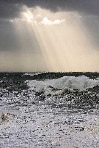 #element #water #landscape #sea #ocean #waves #foaming #spray #sunlight
