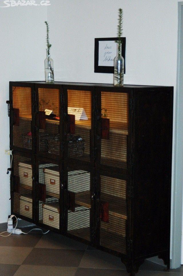 Industriální velká vintage komoda - obrázek číslo 1