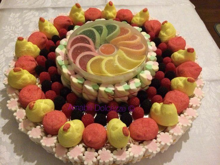 Torta di caramelle | Candy | torta marshmallow | Dolci | caramelle | marshmallow | colorate colori, personalizzate, candy,sweet sugar,zucchero. Composizioni artigianali di caramelle e marshmallow. Per info: amabilidolcezze@gmail.com