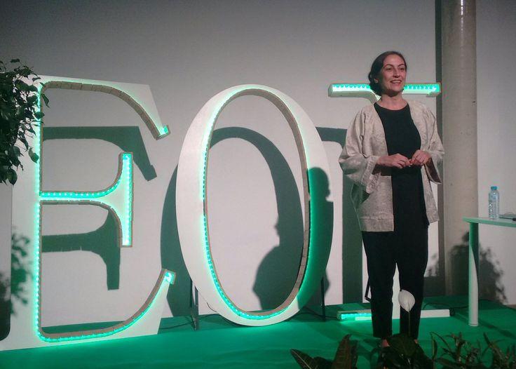 "Miguel Gª Capilla en Twitter: ""Turno de Isabel Calvache, empresaria @caracol_tours en #eventoeoilucena que comparte su experiencia emprendedora. https://t.co/wIl25JSoVM"""