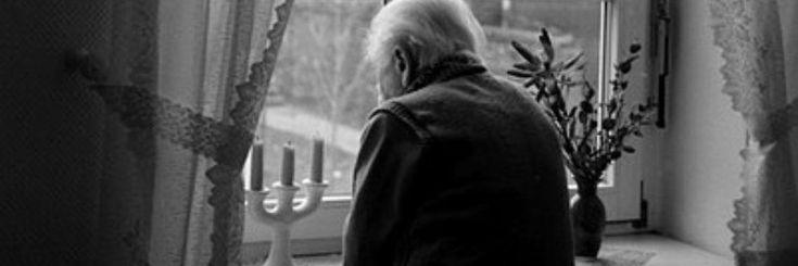De oude man keek uit het raam. Het was nog vroeg. Elke morgen stond hij om 6 uur op en nam dan even de tijd om te kijken naar de weidse omgeving. Zo ook vanmorgen. Hoewel elke dag het