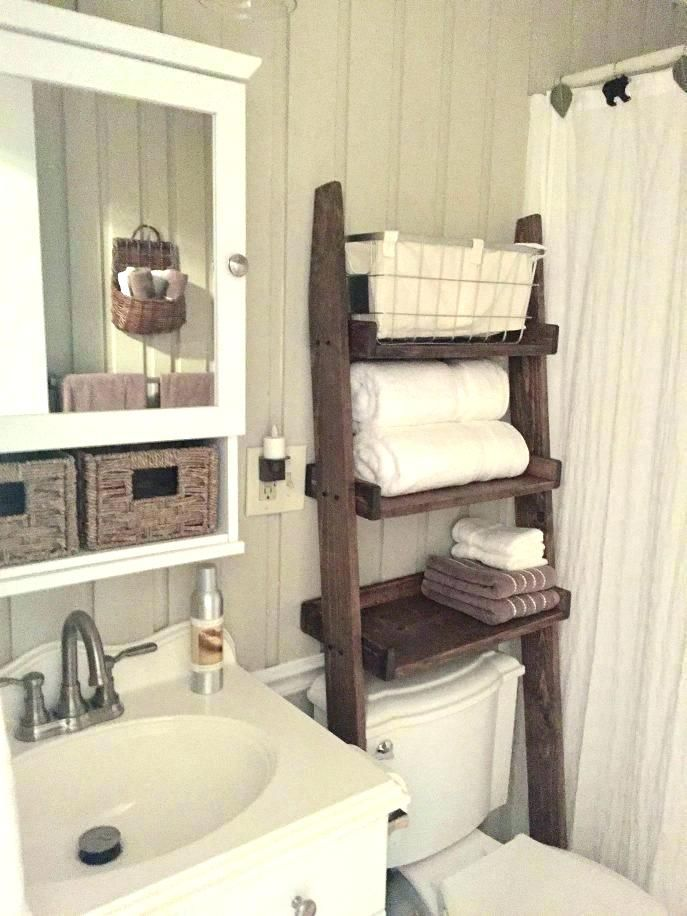 Towel Racks Behind Bathroom Door Great Space Saver For Small Bathroom And Perfect For Guests Everyone Has Tiny Bathroom Bathroom Inspiration Small Bathroom