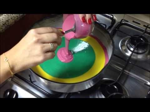 Poder nas mãos: Bolo colorido (rainbow cake) - por Carla Marins