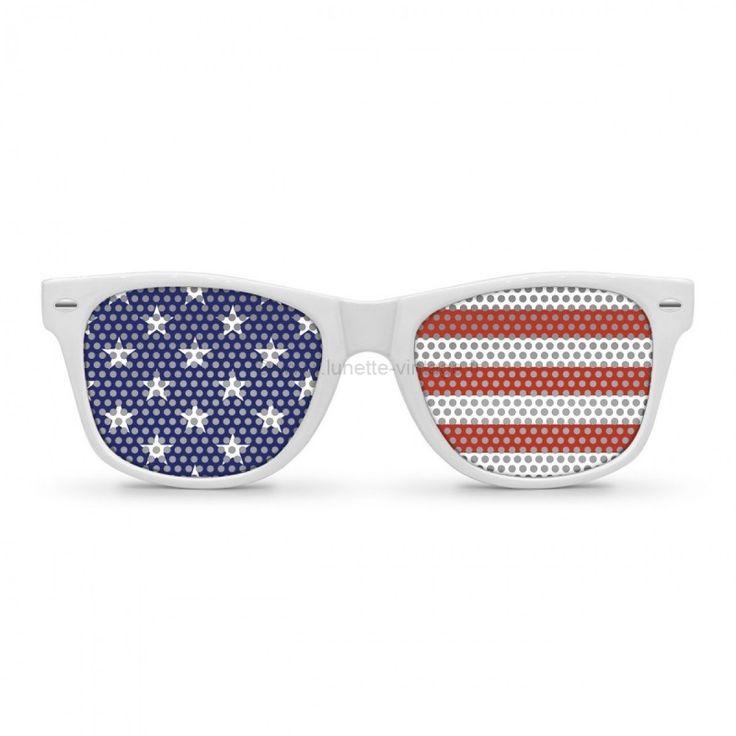 Superbe paire de lunettes de soleil style Wayfarer aux magnifiques couleurs du drapeau Américan !#flag #sunglasses #worldcup #coupedumonde #lunettes #usa #etatsunis