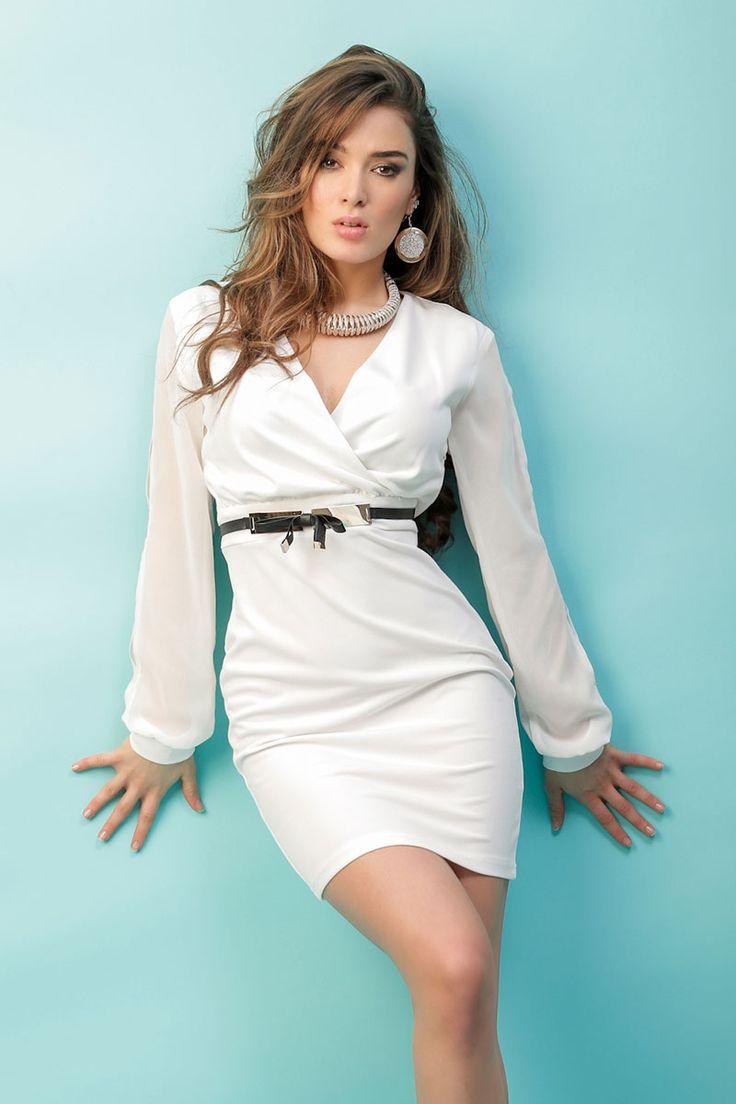 Robe Blanc cassé ceinture noire et dorée - INFINIE PASSION