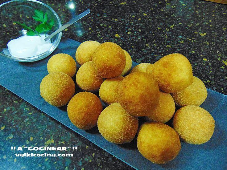 Bolitas de patata rellenas dejamón cocido y queso ideales como aperitivo