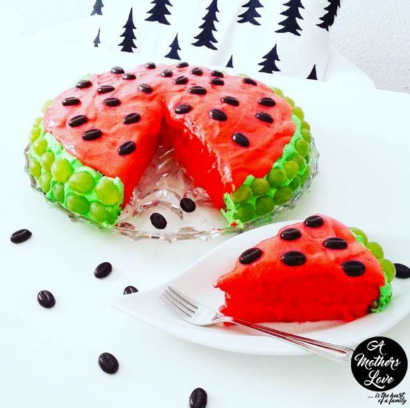 Schneller Melonen Kuchen. Rezept gibt's auf unserem Blog :-)
