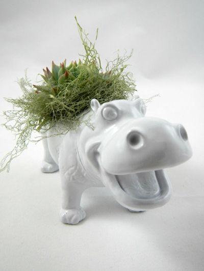 Wit nijlpaard - Hit op Etsy: beestachtige bloempotten   ELLE Decoration NL