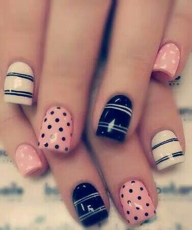 Negro blanco rosa lineas puntos