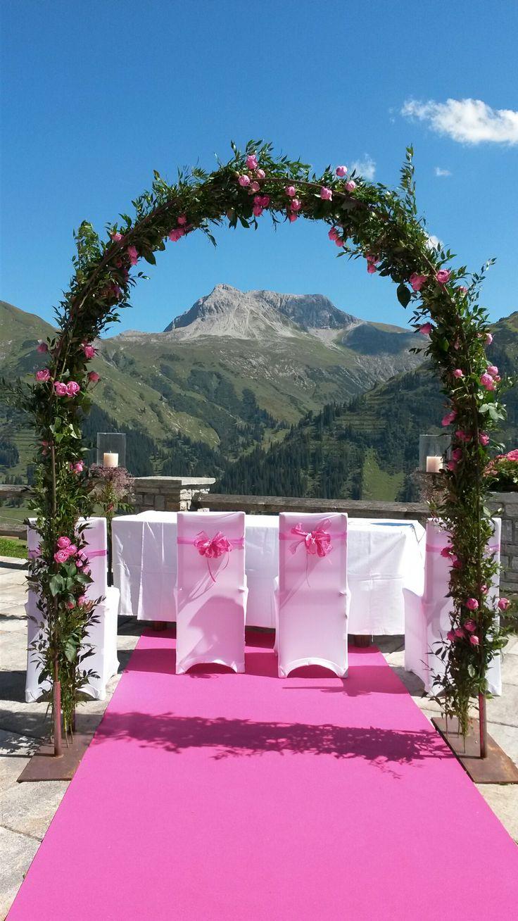 Traumhochzeit in pink im Alten Goldenen Berg #hochzeit #wedding #lech #arlberg #love #location #traumhochzeit
