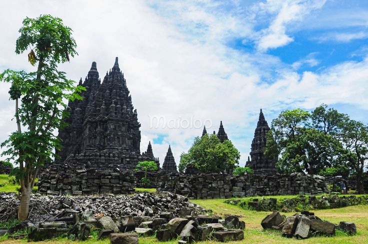 Pemandangan Candi Prambanan. (Benedictus Oktaviantoro/Maioloo.com)