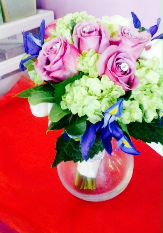 Vibrant table arrangement. Toronto/GTA florist #pink #green #flowers