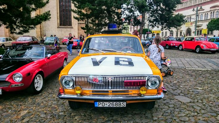 GAZ 24 Volga Old Police car