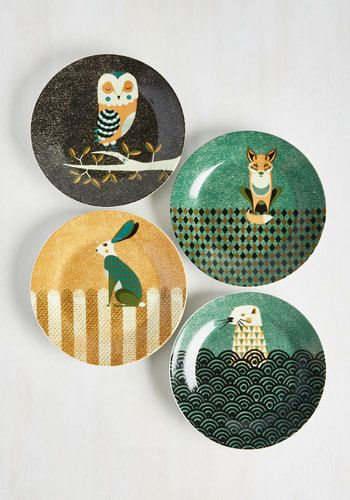 Trying to decipher the right moment to add these printed plates to your kitchen? We believe the time is now! Adorned with a cast of geometrically-detailed forest friends, these vegan-friendly, ceramic sandwich plates will come as second nature to your dining decor.