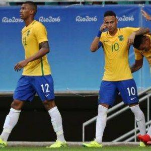 Le Brésil se réveille et accède aux quarts de finale