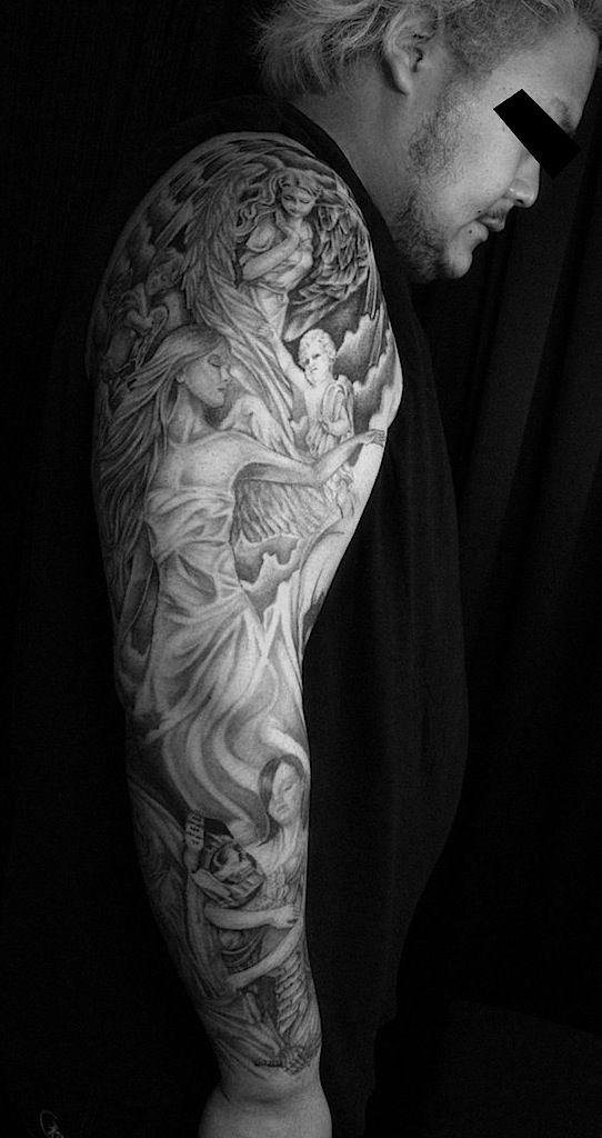 東京・渋谷のタトゥースタジオ TIFANA TATTOO,TOKYO 女神と天使のモチーフを腕用にデザインしたフルスリーブ・タトゥー作品画像 religious tattoo black and gray goddess and angels tattoo by kaz,TIFANA TATTOO