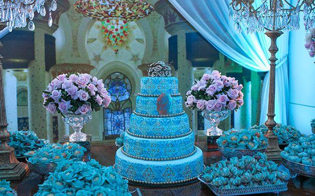 Uma noite em Dubai: inspire-se na decoração luxuosa da festa da Isabella Barbeiro