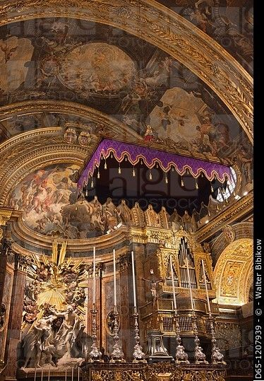 Malta, La Valeta, St JOHN'S Co-Catedral, interior, el altar