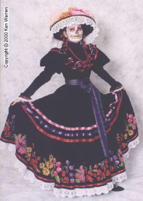 La Catrina appelée à lorigine  La Calavera Garbancera  est un personnage populaire de la culture mexicaine  il sagit dun squelette féminin vêtu de riches habits et portant généralement un chapeau On attribue en général son origine au personnage créé vers 1912 par le caricaturiste mexicain José Guadalupe PosadaToutefois Posada a été influencé par les travaux de
