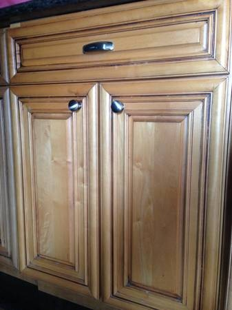 Kitchen cabinets for sale cabinets for sale and maple for Maple kitchen cabinets for sale