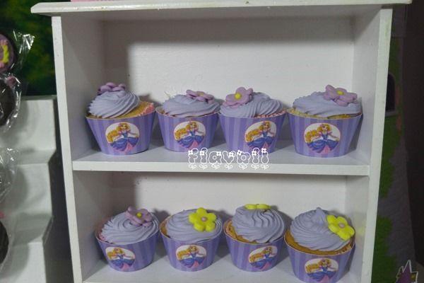 Wrapper para mini-cupcake Rapunzel  :: flavoli.net - Papelaria Personalizada :: Contato: (21) 98-836-0113  vendas@flavoli.net