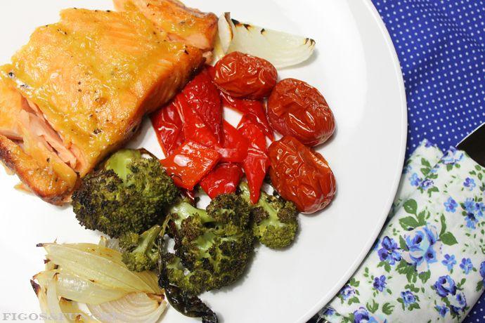 Salmão na Mostarda com Legumes Assados
