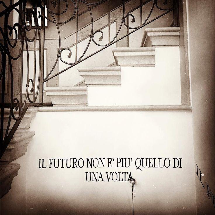 Il #futuro è diventato vecchio stile. #nottemondo #io #quotes by daiana_lorenzato