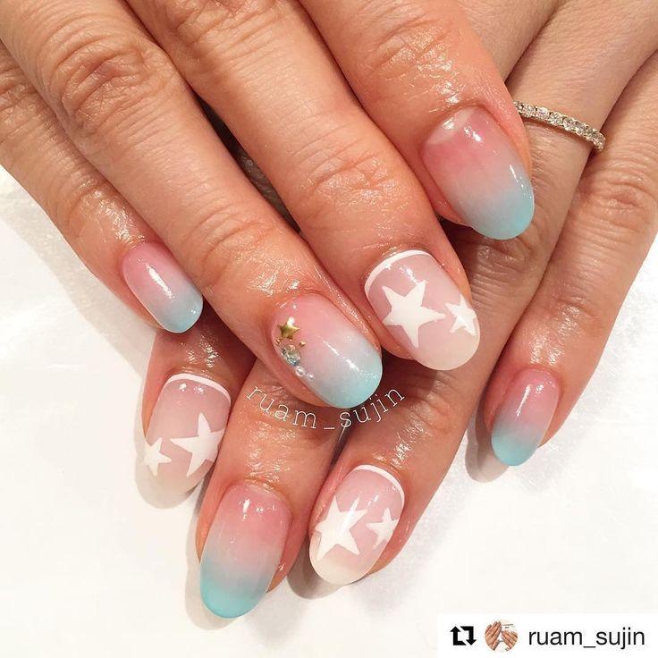 いいね!74件、コメント1件 ― ruam gel nail salonさん(@ruam0128_nail)のInstagramアカウント: 「#Repost @ruam_sujin with @repostapp ・・・ * お客様ネイル💓 前回に引き続き、星モチーフ🌟 ブルーのグラデーションがとってもお似合いでした🐰💕…」