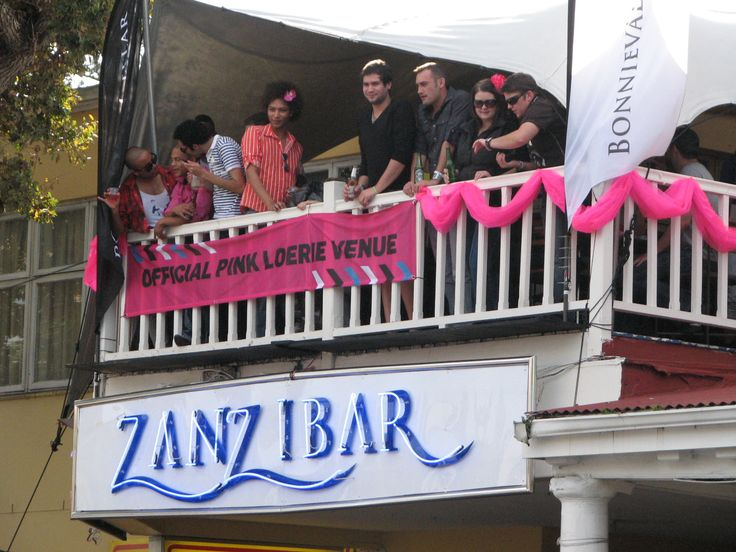 Come & join in the fun n frolics of the annual Pink Loerie mardi gras.... always eventful & sure to get Knysna rockin :)