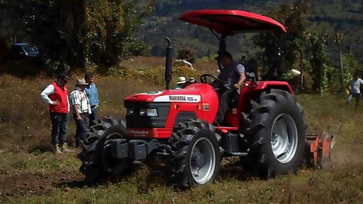 Tractor Mahindra 9200 4WD