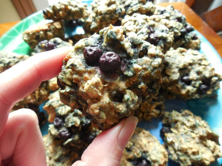 Weight watcher recipes, 1 smart point Blueberry oatmeal breakfast cookies by drizzle me skinny