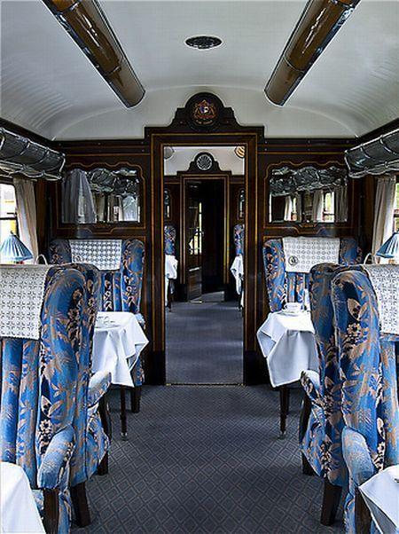 """intérieur du train """"Orient Express"""