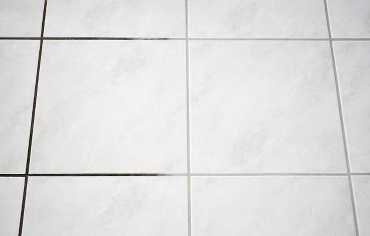 Швы на кафеле и плитке  Квартира может быть убранной, но потемневшие швы на плитке будут нарушать гармонию. Чтобы исправить этот нюанс, возьмите зубную щетку, мыльный раствор и хлорку. Этим же составом можно очистить за 10 минут ванну.