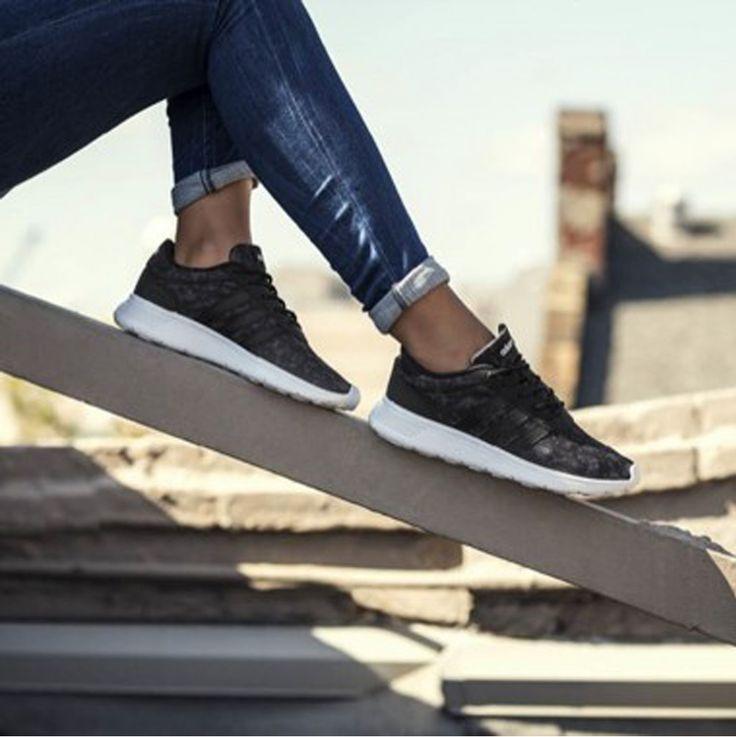 Adidas LITE RACER W F99378, die Schuhe mit schönen Blumen, nur bei uns im super Preis. Damenschuhe Netz ausreichende Be- und Entlüftung Füße gewährleisten.  #Schuhe #Adidas #Blumen #Damen #Racer