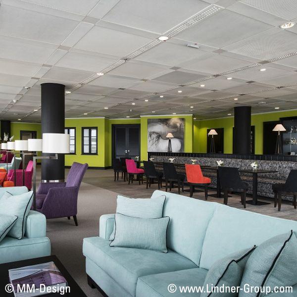 Die Innenausbauprodukte von Lindner für Lounges können nicht nur als Blickfang geliefert werden. Zusammen mit unseren innovativen, integrierten Technologien, wie Heizung und Kühlung sowie verschiedener Beleuchtungssysteme, kann die Atmosphäre des Raumes für maximalen Komfort angepasst werden.